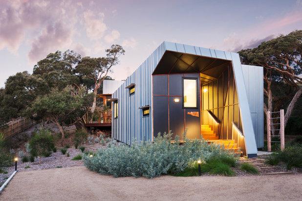 Industrial Fachada by Ande Bunbury Architects
