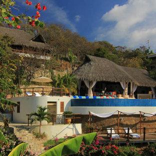 Tropical exterior home idea in Mexico City