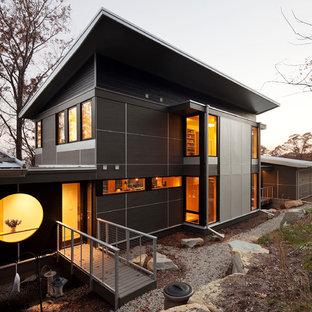 Immagine della facciata di una casa etnica