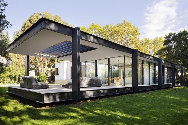 Modern Exterior by Brengues Le Pavec architectes