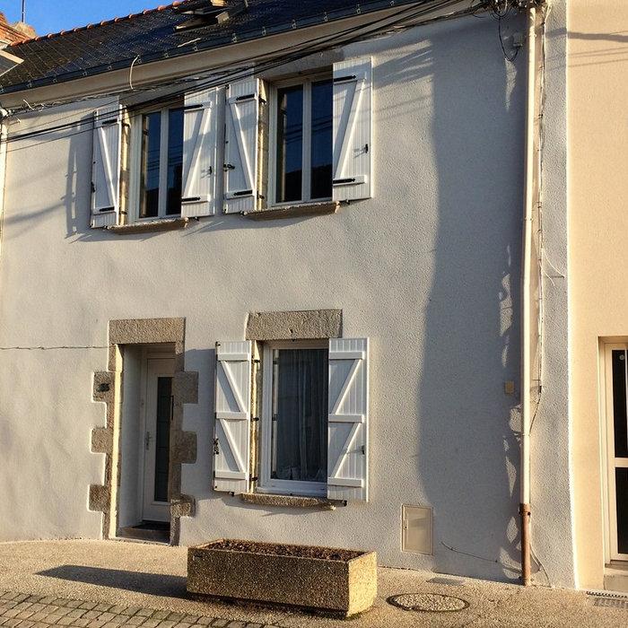 Façade de maison de bourg restaurée