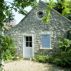 Farmhouse Exterior by Catherine Sandin