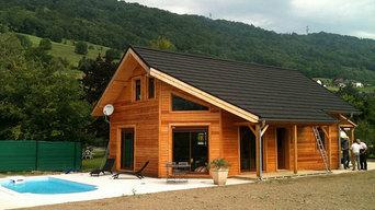Maison bois massif dans les Alpes