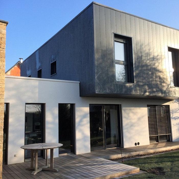 Isolation thermique par l'extérieur d'une maison contemporaine