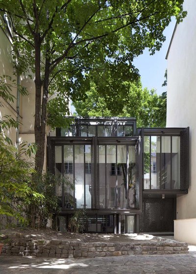 Modern Exterior by Moussafir Architectes