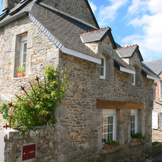 Traditional Exterior by Regine Villedieu Immobilier