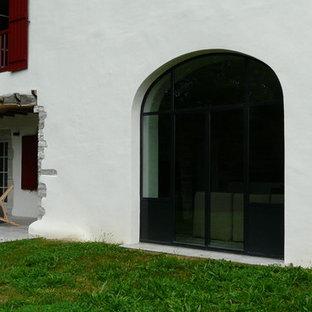 Aménagement d'une façade de maison campagne.