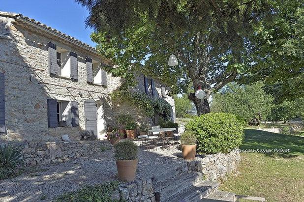 Architecture r gionale d cryptage de 6 belles fa ades for Couleur volet maison provencale