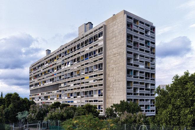 Contemporain Façade by Association des Sites Le Corbusier