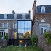 Architecture : Gagner en luminosité grâce à une extension en verre