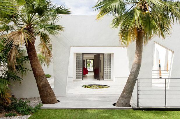 Contemporain Façade by frederique legon pyra  architecte
