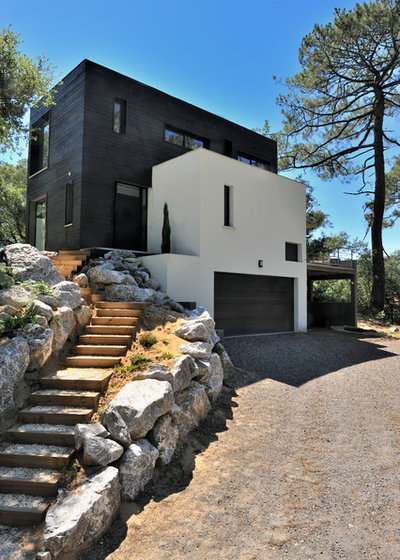 Moderne Façade by ATELIER D'ARCHITECTURE