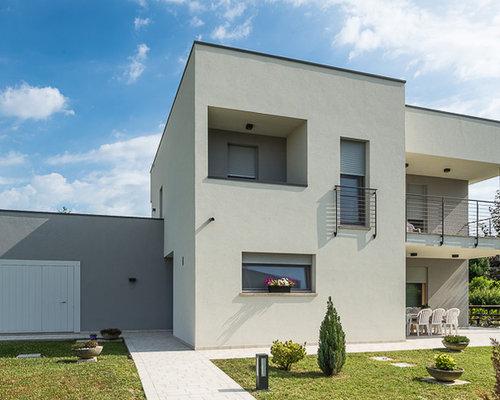 Foto e idee per facciate di case facciata di una casa for Idee casa stucco