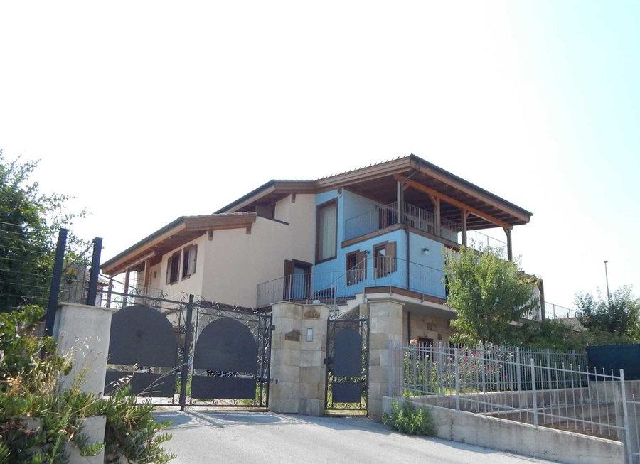 Casa in Collina- realizzazione di una villa con struttura in legno