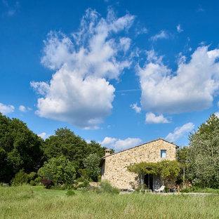 Esempio della facciata di una casa country