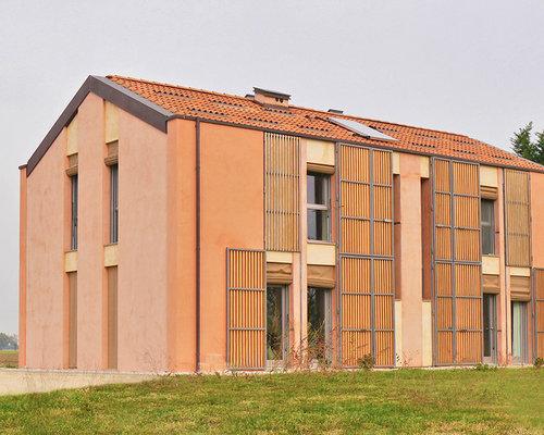 Foto e idee per facciate di case facciata di una casa for Piani di una casa piani con seminterrato finito