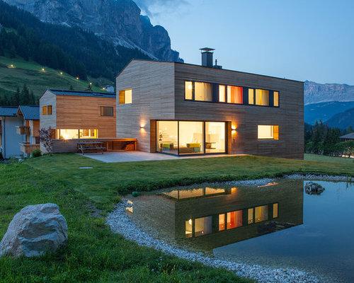 Foto e idee per facciate di case facciata di una casa in for Piani di casa di montagna con seminterrato sciopero