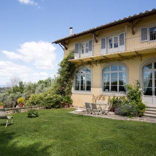 Immagine della facciata di una casa mediterranea