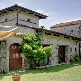 Foto e idee per arredare una casa in campagna for Case con facciate in pietra