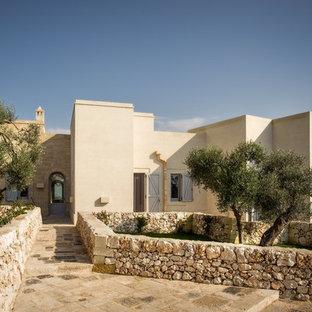 Foto della villa beige mediterranea