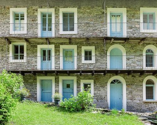 Foto e idee per facciate di case facciata di una casa in for Piani di casa con le foto di case reali