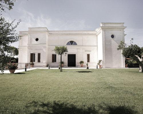 Foto e idee per facciate di case facciata di una casa for Immagini casa classica
