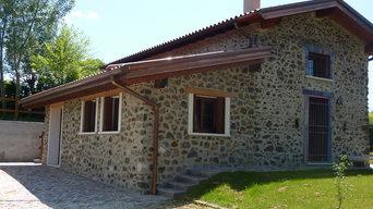 Ristrutturazione di una villa in pietra in collina a Chiuppano (Vicenza)