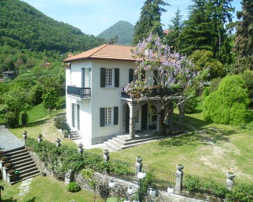 Foto e idee per facciate di case facciata di una casa for Foto di case a tre piani