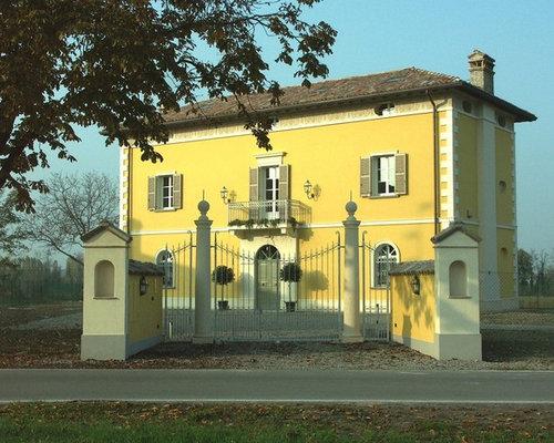 Foto e idee per facciate di case facciata di una casa for Piani di casa unici in stile ranch