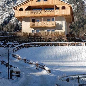 Un hotel in legno ecosostenibile in montagna - 900 mq