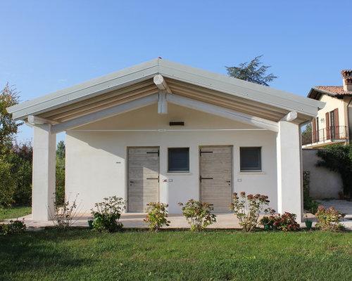 Foto e idee per facciate di case facciata di una casa in - Colore esterno casa campagna ...