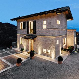 Foto e idee per facciate di case facciata di una casa for Casa moderna in campagna