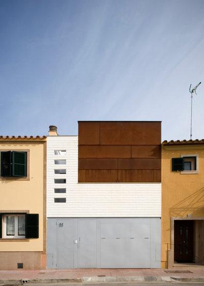 Casas houzz verticalidad arquitect nica alrededor de un - Patio ingles ...
