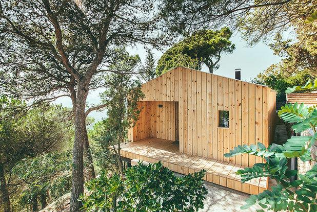 houzzbesuch: ein nordisch inspiriertes fertighaus aus holz in spanien,
