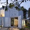 Architecture : Une maison transportable construite avec des containers