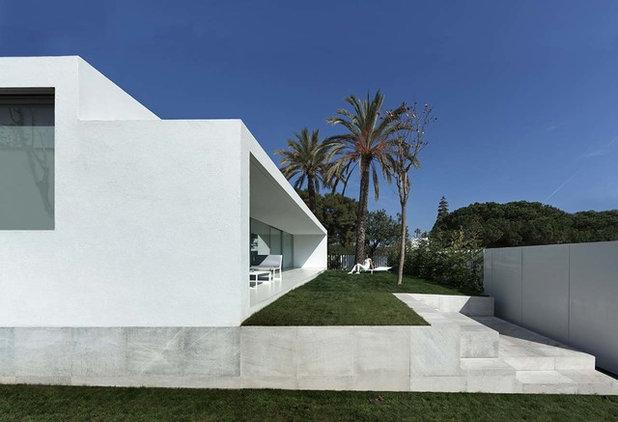 Moderno Fachada by Krion - Porcelanosa Grupo