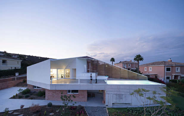 Industrial Exterior by re-activa arquitectura