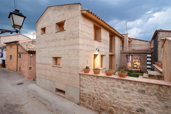 Farmhouse Exterior by Edra arquitectura Km0