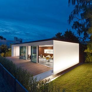 Modelo de fachada contemporánea de tamaño medio
