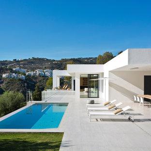 Diseño de fachada contemporánea de tamaño medio