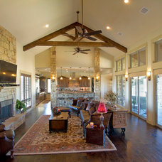 Traditional Family Room by Canyon Creek Homes, LP