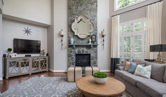 2-Story Family Room with Media Niche