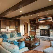 Traditional Family Room by Cameo Homes Inc.