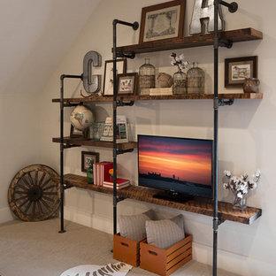Idéer för att renovera ett stort rustikt avskilt allrum, med ett spelrum, heltäckningsmatta och en fristående TV