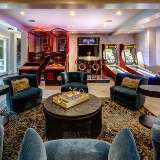 Immagine di un ampio soggiorno tradizionale aperto con sala giochi, pareti bianche, pavimento con piastrelle in ceramica e pavimento beige