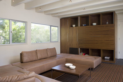 Modern Family Room by John Lum Architecture, Inc. AIA