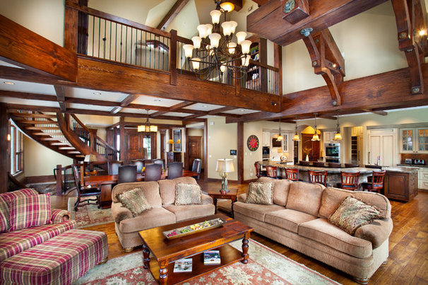 Traditional Family Room by Pinnacle Mountain Homes