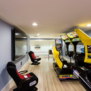 Inspiration for a contemporary game room remodel in Orlando