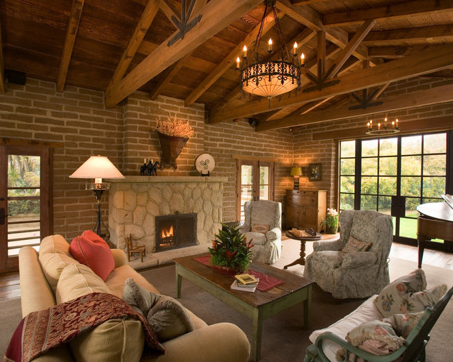 Traditional Family Room by DD Ford Construction, Inc