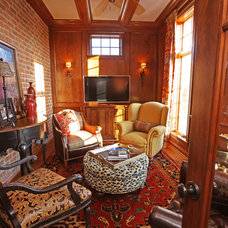 Traditional Family Room by Emily Winters, Peabody's Interiors